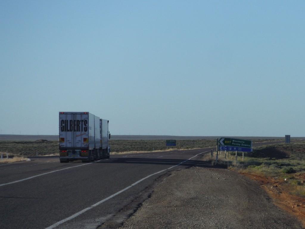 Woomera 897 km w lewo