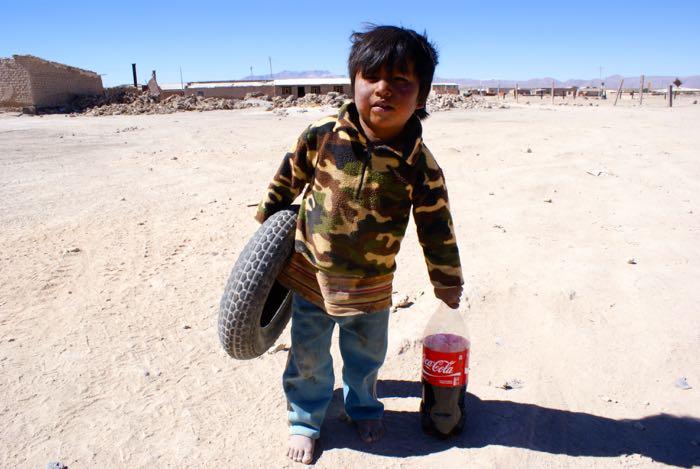 Dziecko w wiosce Colchani