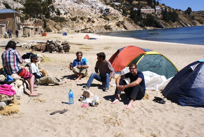 Mate na plaży