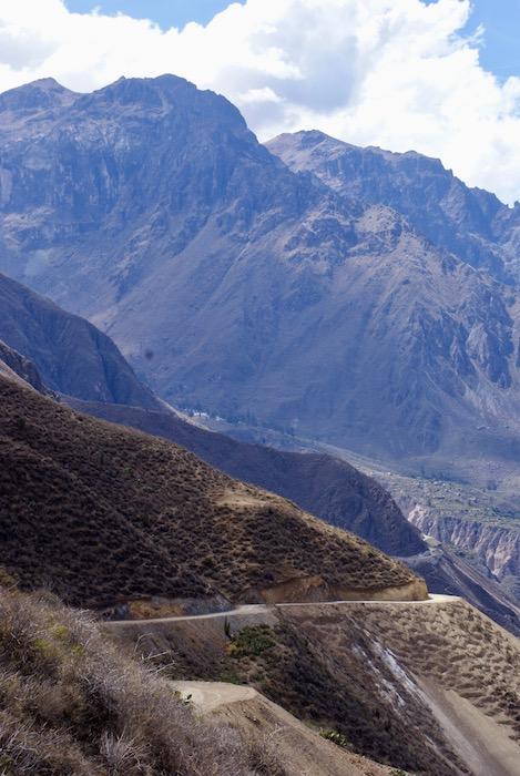 Droga wzdłuż Rio Colca